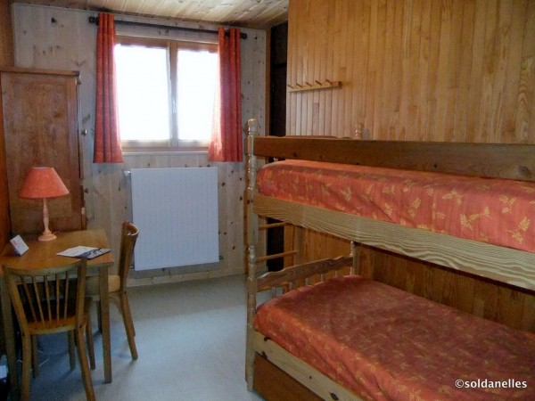 Chambre à 2 lits superposés et 1 lit gigogne