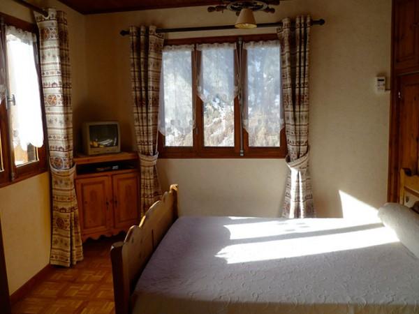 appartement-les-narcisses-saint-veran-4-personnes-chambre-lit-double