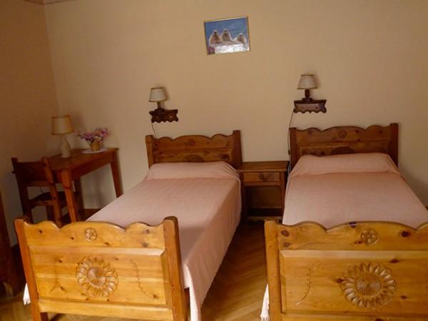 appartement-les-narcisses-saint-veran-4-personnes-chambre-lits-simples