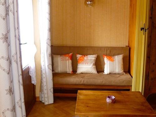 appartement-les-narcisses-saint-veran-4-personnes-petit-salon