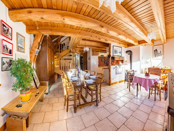 michel-rameaux-saint-veran-salle-a-manger-1